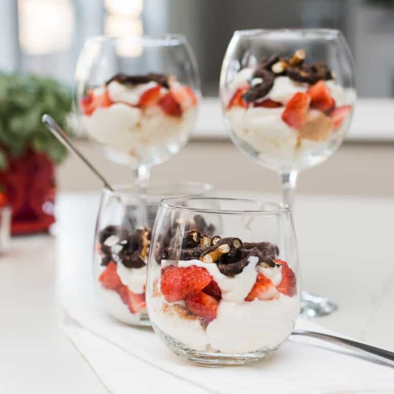 Valentine's Day Parfait | Healthy Valentine's Day Dessert