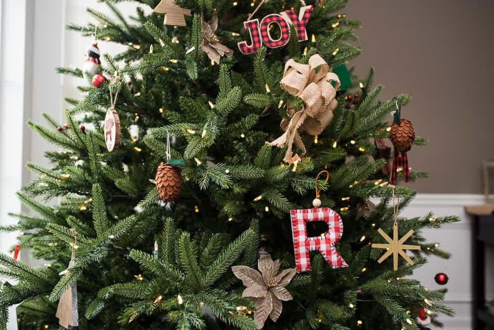 Treetopia Christmas tree with farmhouse decor