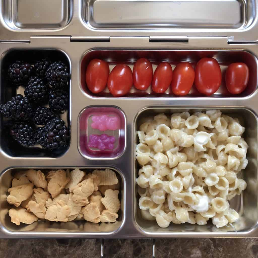Colorado lifestyle blogger, Amanda Seghetti shares the best school lunch ideas for a whole month! No sandwiches, get the best ideas!