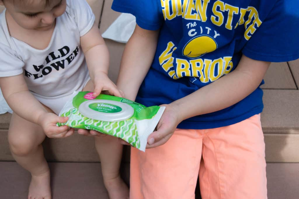 kids using kleenex wet wipes