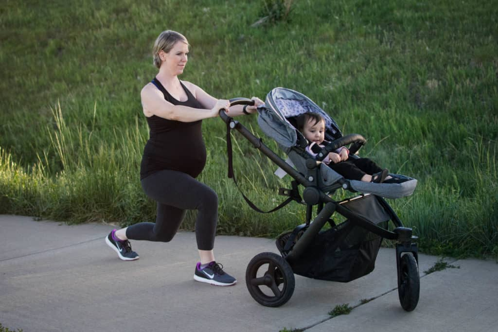 walking lunges stroller workout