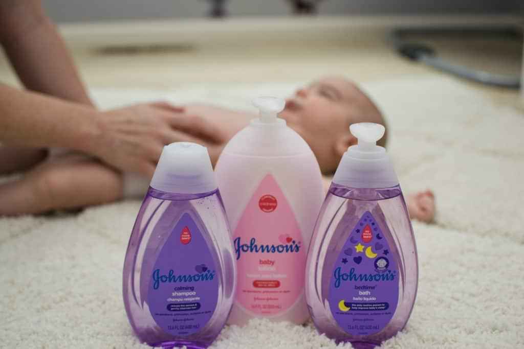 JOHNSON'S Baby lotion shampoo nighttime body wash