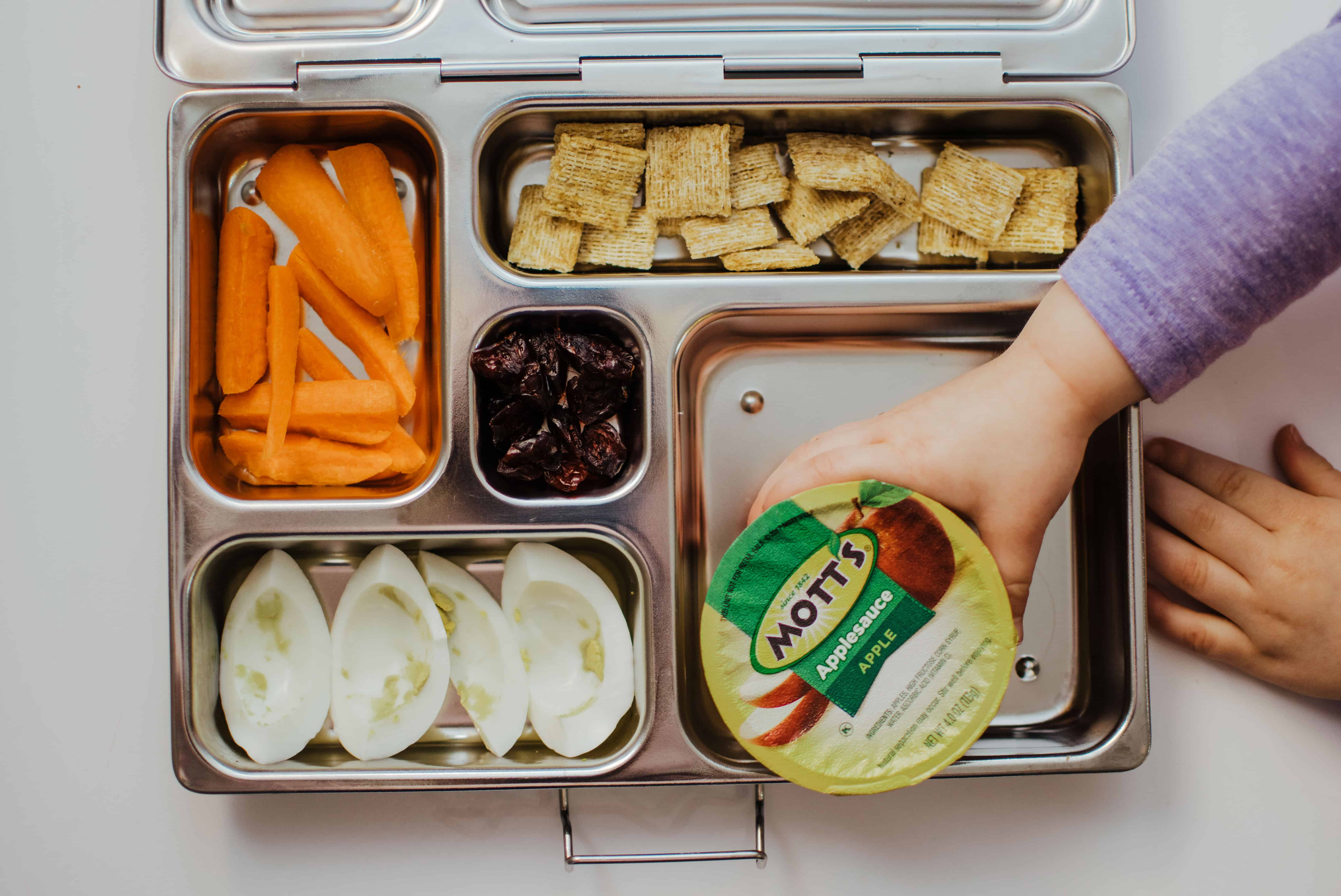 planetbox healthy school lunch with mott's applesauce