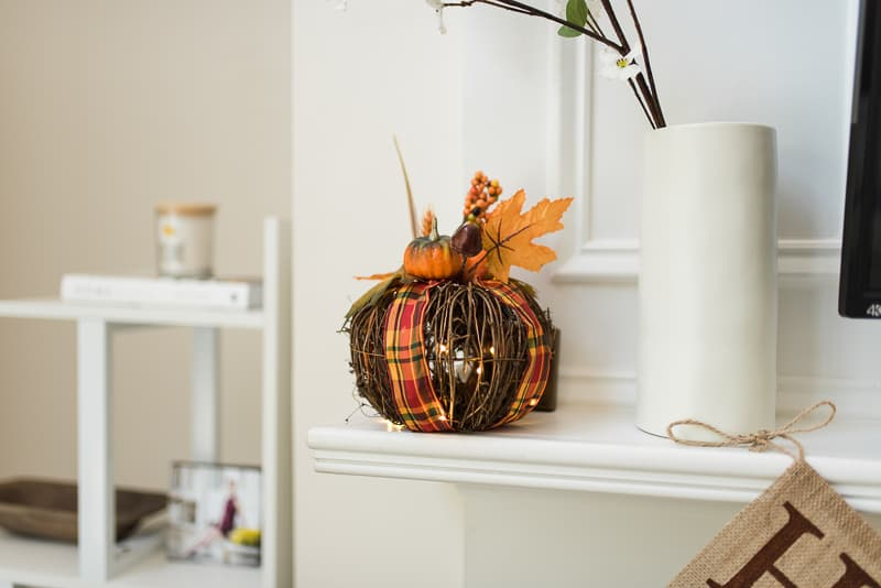 fall pumpkin lighted decor