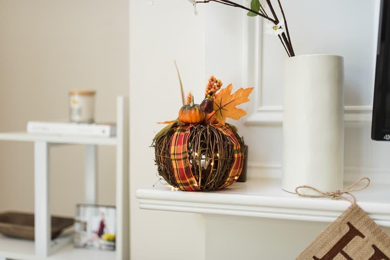 fall pumpkin lighted decor