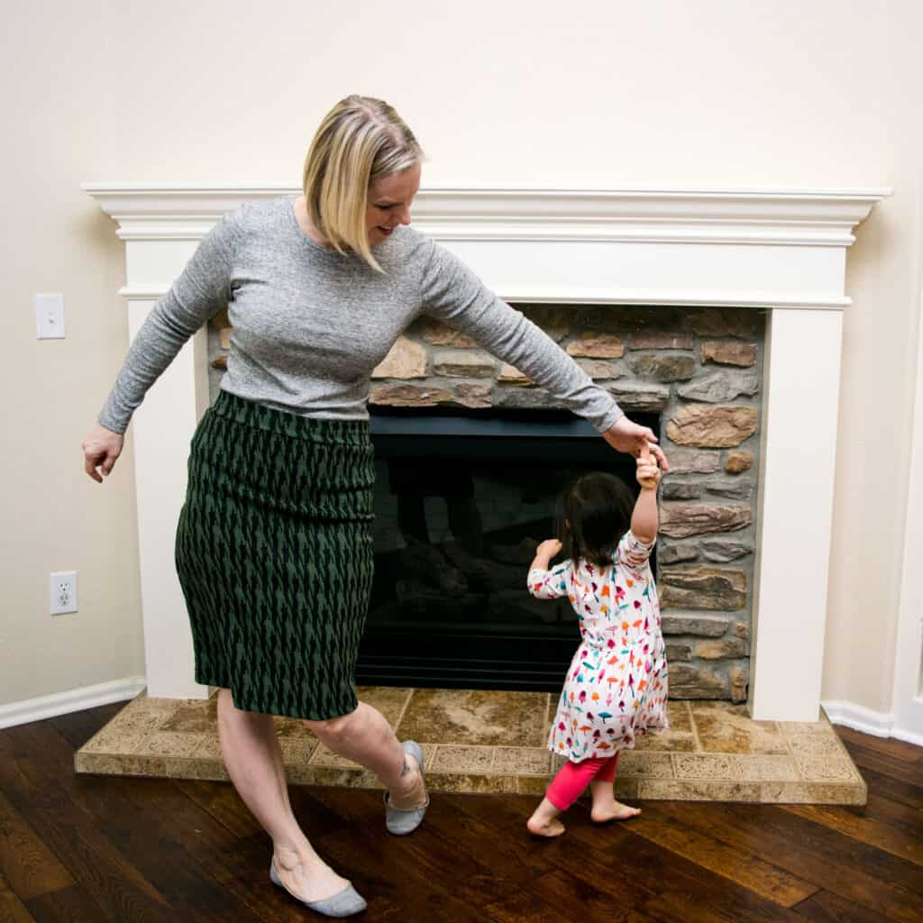 Momblogger Amanda Seghetti dancing with toddler - rainy day activities for bored kids