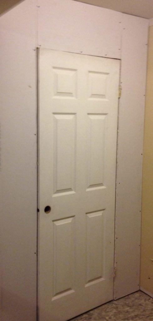 door to kitchen pantry