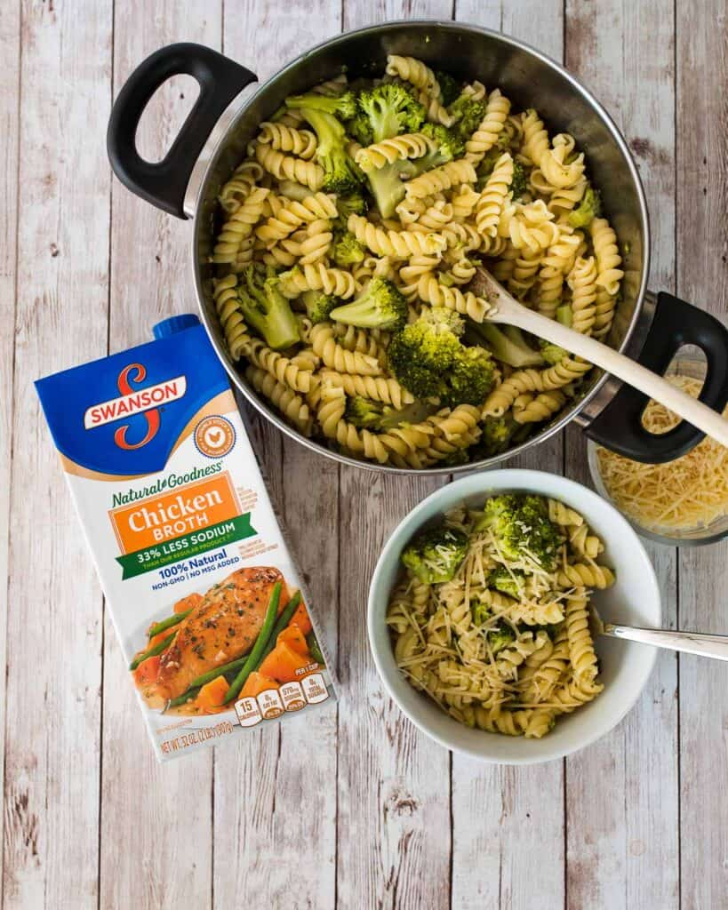 one pot easy cheesy broccoli pasta
