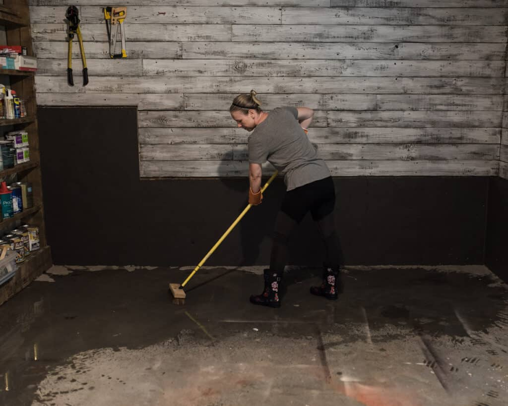 cleaning and etching concrete floor
