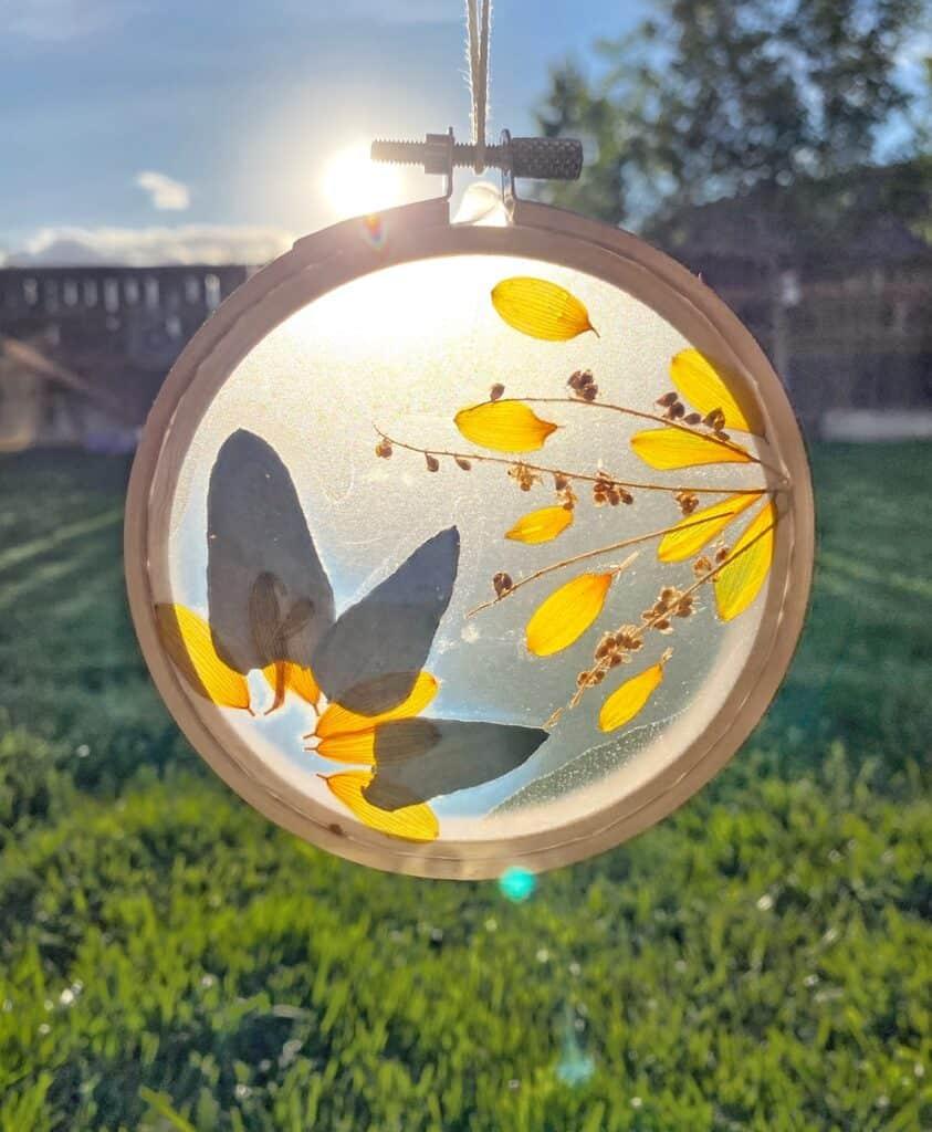 DIY Fall Sun Catcher Vertical Hero - Amanda Seghetti