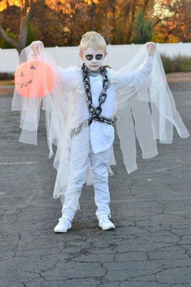 diy ghost costume 640x960 1 - Amanda Seghetti