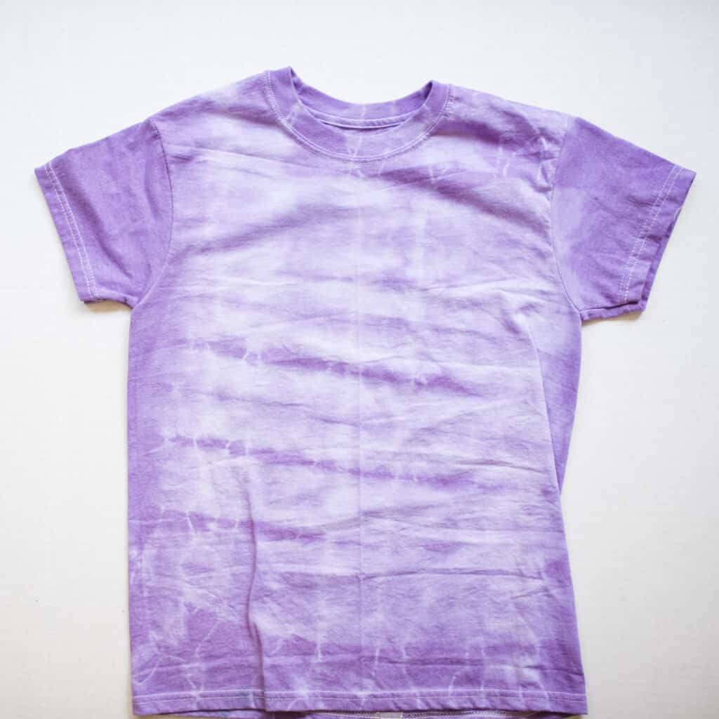 tie dye with fan folding technique