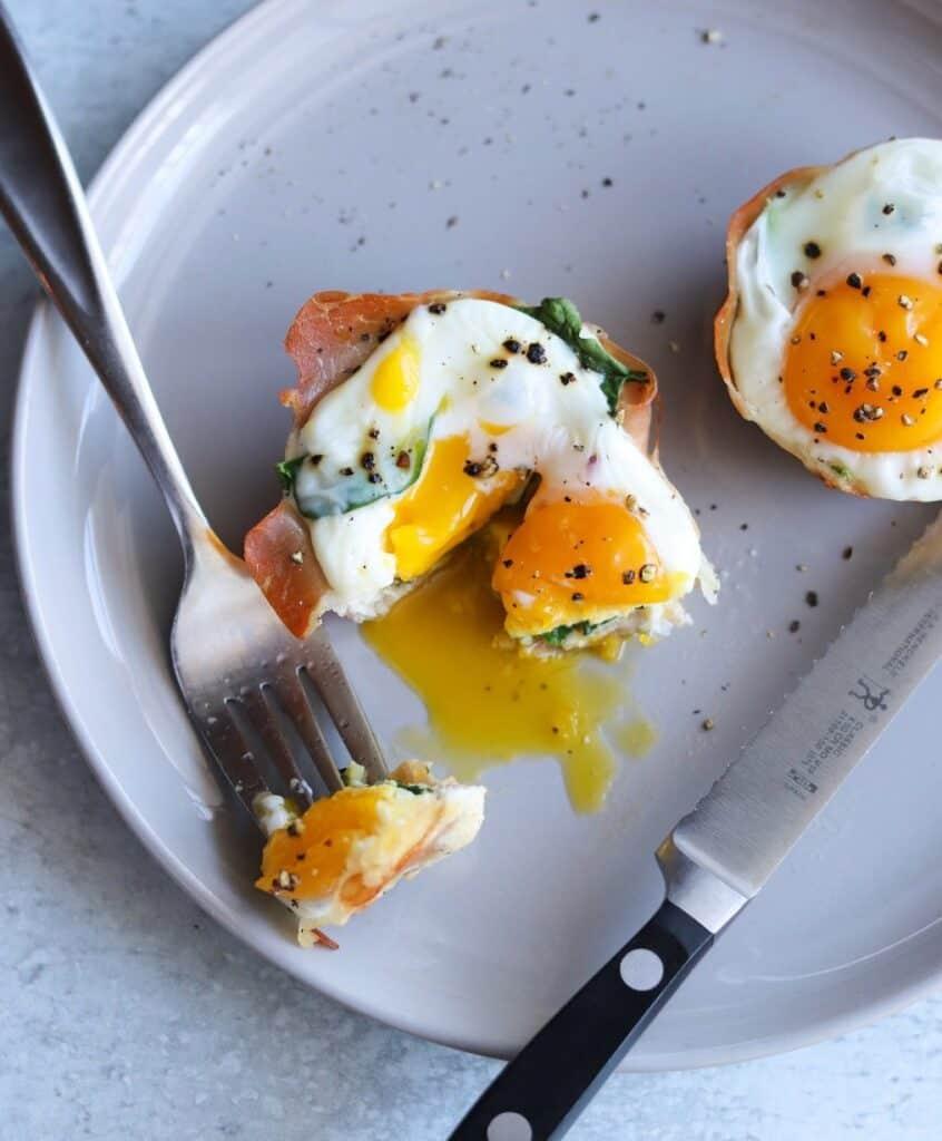 Prosciutto Egg Cups AIr Fryer - Amanda Seghetti