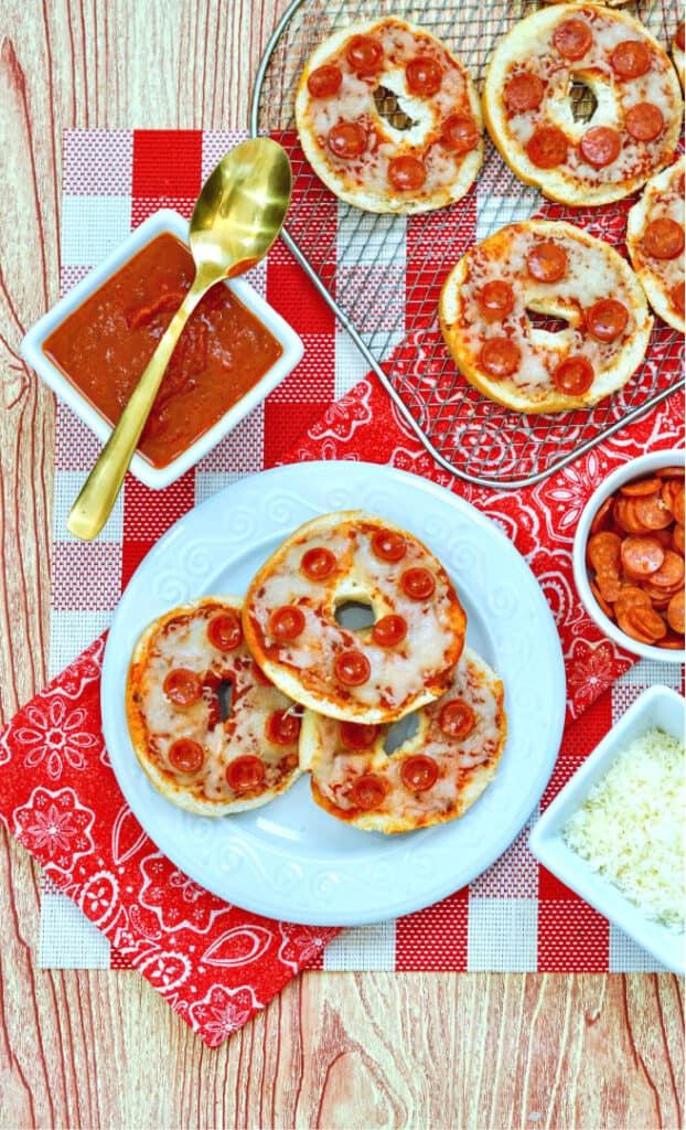 easy cheesy pizza bagels - Amanda Seghetti