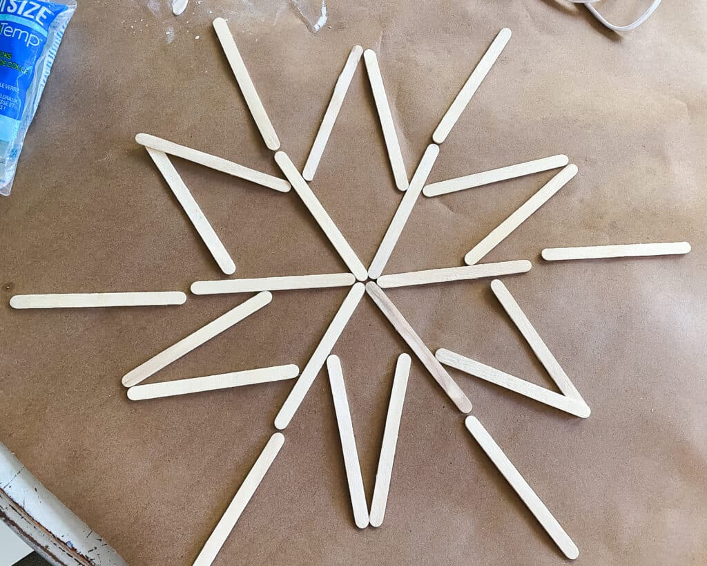lay out the snowflake design