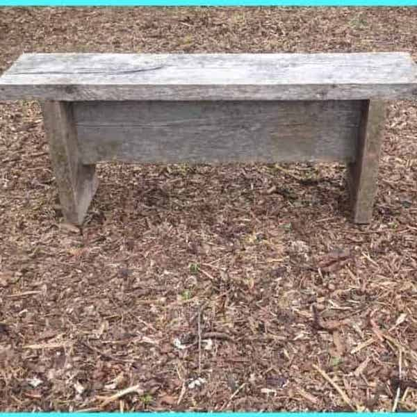 DIY Farmhouse Backyard Bench