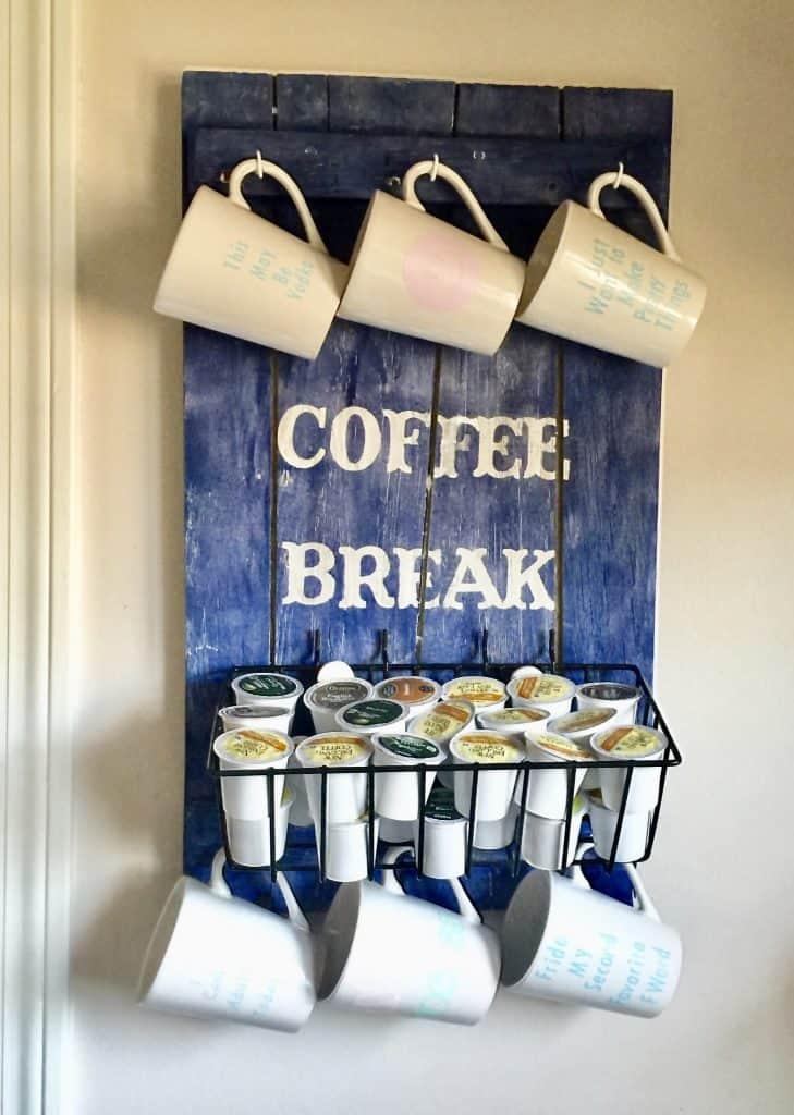 DIY Pallet Coffee Station