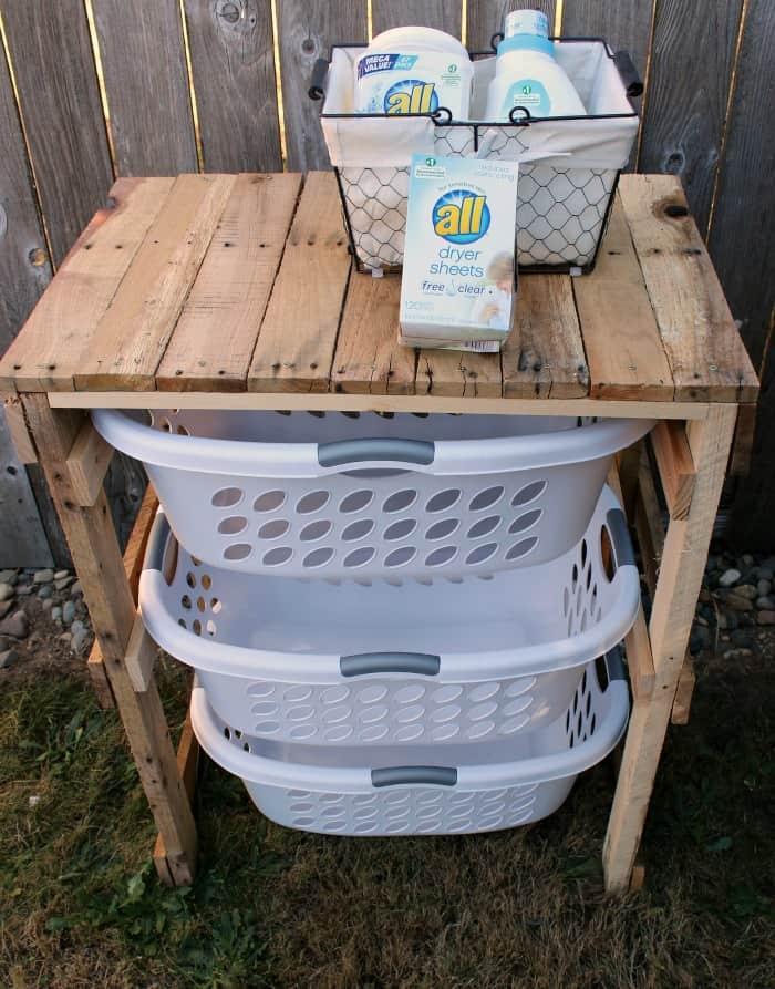 DIY Pallet Laundry Shelf