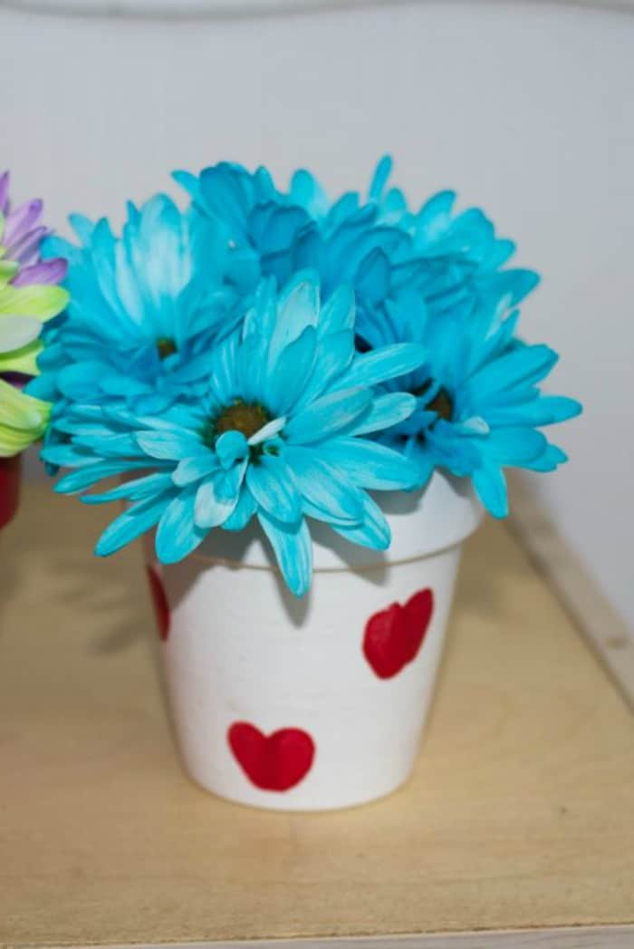 Create simple Valentines Day gifts using items from the dollar store 5 1024x775 1 - Amanda Seghetti