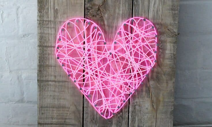 Illuminated neon string heart ft s - Amanda Seghetti