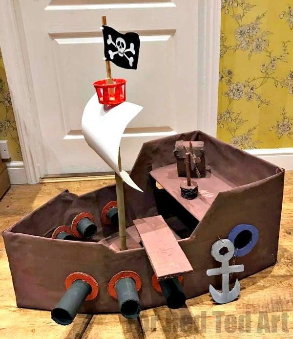 Pirate ship reader - Amanda Seghetti