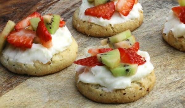 pecan sandies cookies - Amanda Seghetti