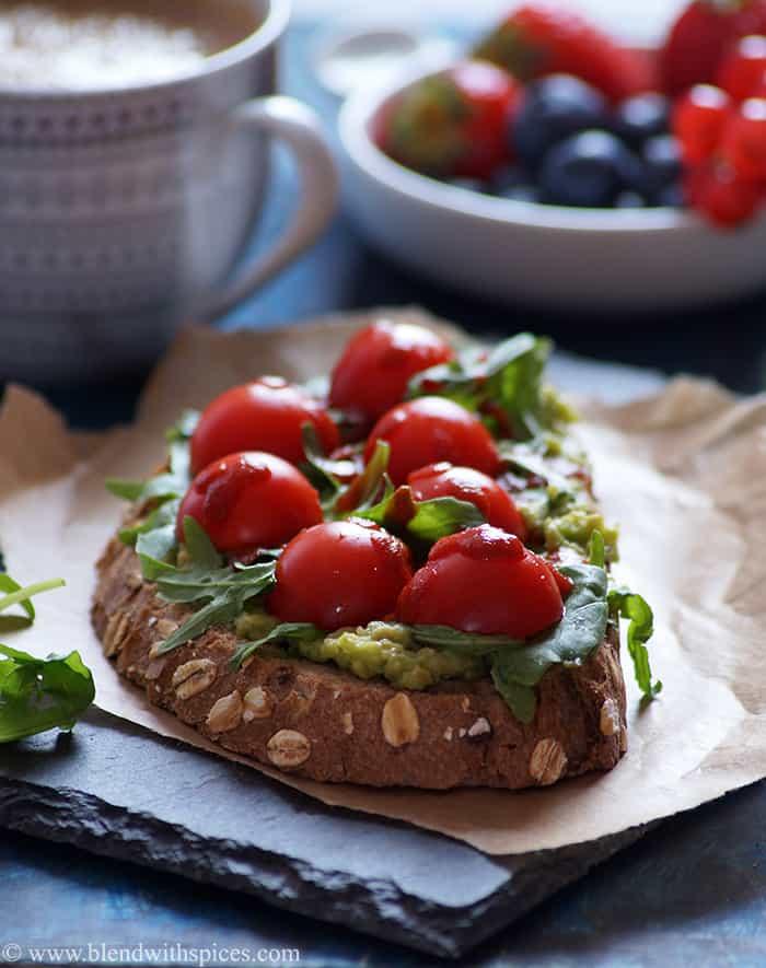 avocado sriracha toast recipe - Amanda Seghetti