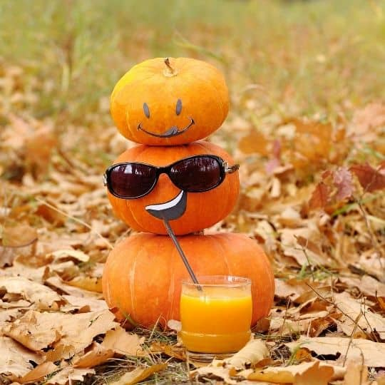 funny halloween sayings with pumpkins stacked