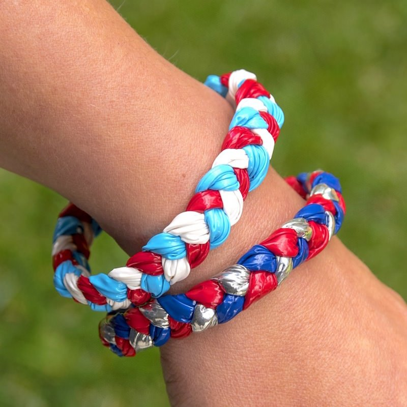 DIY bracelets for kids with Duck Tape - Amanda Seghetti