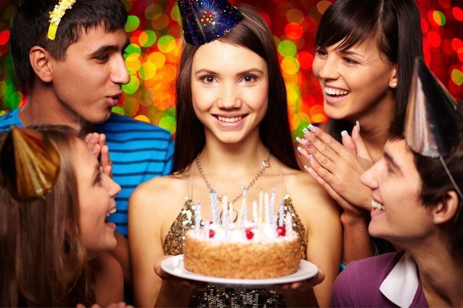 birthday party activities for teenagers - Amanda Seghetti